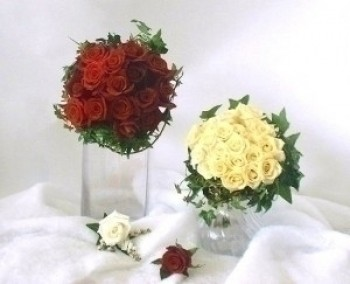 Wedding Special 2 Bouquets, 2 Boutonnieres, 2 corsages
