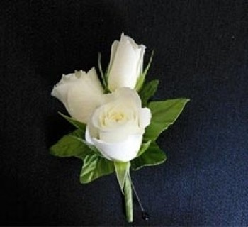 3 rose boutonniere